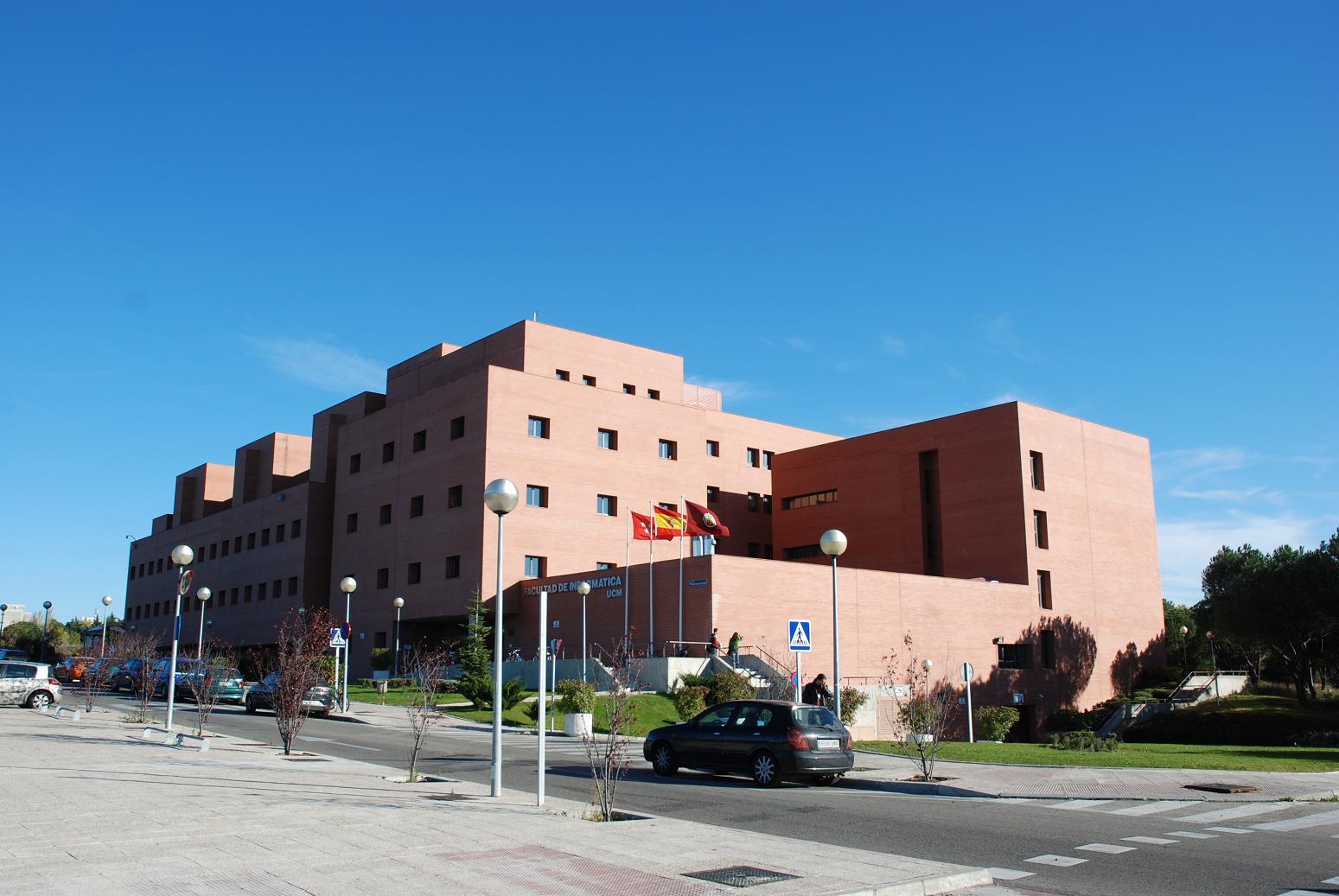 Foto de la Facultad de Informática